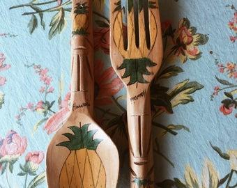 vintage serving utensils from hawaii/pineapples/paintes serving utensils/wooden seeving utensils/salad utensils/large serving utensils
