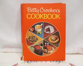 Betty Crocker's Cookbook Pie Cover Sears Holiday Recipes Edition, Twelfth Printing, 1972