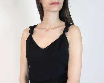 Knotted strap tank / S-M / lettuce or rippled hem simple elegant classic sleeveless feminine vintage 90s Max Studio minimal minimalist