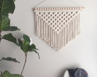 Macrame Patterns/Macrame Pattern/ Macrame Wall Hanging Pattern/Wall Hanging/Modern Macrame/Pattern/DIY/Name: Square Knot Triangle