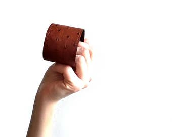 Brown leather cuff bracelet. Leather bracelet for her. Mens leather cuff. Mens leather bracelet. Brown leather bracelet. Leather jewelry.