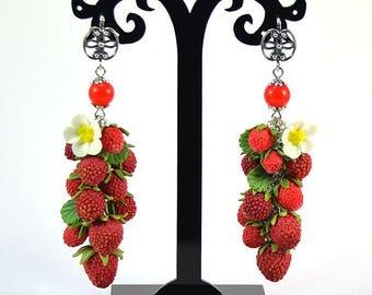 Strawberry Earrings - Polymer clay jewelry - Gift for girlfriend - Handmade jewelry - Red berries jewellery - Fruit earrings