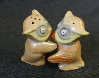 Vintage Made in Japan Peach Lusterware Hugging Owls Salt & Pepper Shakers Set