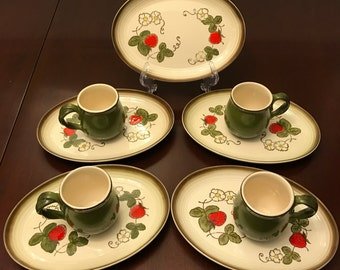 Vintage Strawberry Dishes Poppytrail by Metlox Handpainted Pottery dishes  luncheon sets Made in California