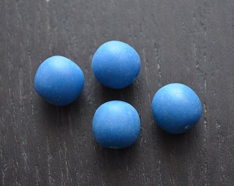 20 blue resin beads- 10mm