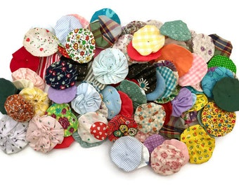 Vintage Yoyo Quilt Pieces 100 Fabric Rounds Quilt-Making Lot Assorted Sewing Supplies 1960s 1970s
