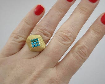Dreamy 60s bright gold ring with turquoise and apatite cabochons, hallmarked, striking, vintage