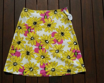 Size 12 Yellow Daisies