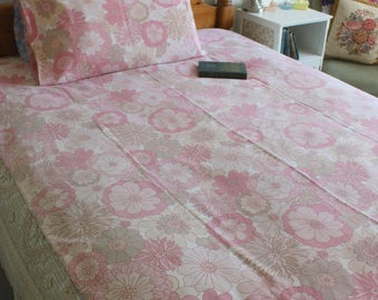 Vintage 60s 70s St Michaels floral pink flower power psychedelic single duvet cover