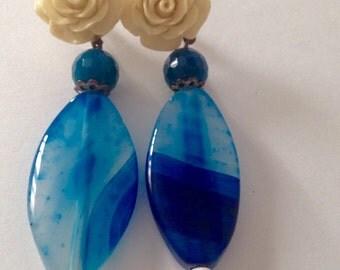 Earrings flower agate
