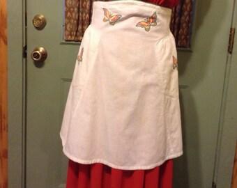 """Vintage """"Instant Grandma's"""" White Half Apron Featuring Appliquéd Butterflies"""