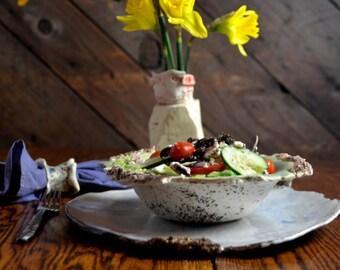 Soup bowl with rim