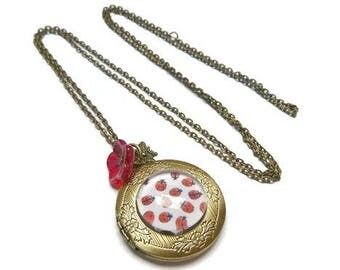 photo Ladybug necklace necklace brings good luck