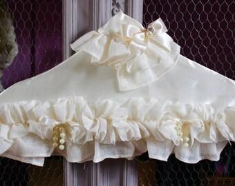 the bride, unique hanger, hanger thinned french hanger, made in France, unpractical, shabby chic hanger hanger, hanger romantic