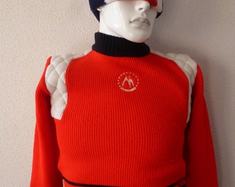 sweater /bonnet vtg