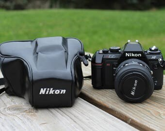 Nikon AF N2020 with AF Nikkor 35-70mm 1:3.3-4.5 Lens + Hard Case