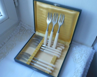 set of 12 vintage French pastry forks with Bakelite / plastic handles