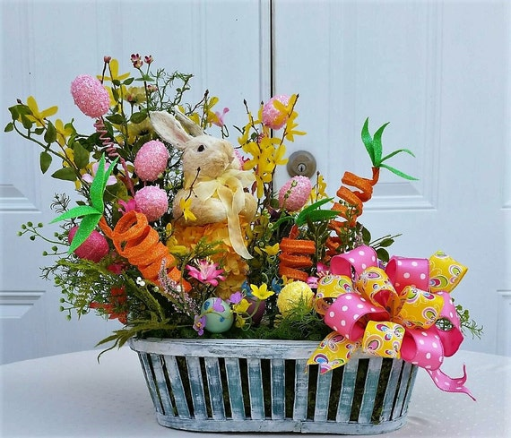 Easter Arrangement Ideas: Easter Arrangement Bunny Centerpiece Easter Table