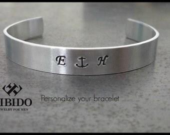 men's bracelet, personalized mens bracelet, stamped pendant Bracelet, Gift for Him, fathers day gift, Mens initial bracelet, mens gift