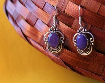 Jarla, earrings with Sodalite in Tibetan silver