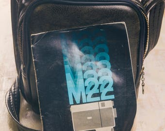 Vintage 1970s Kodak Instamatic M22 camera bag