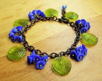 Bluebell bracelet, 30's 40's inspired czech glass bracelet, blue flower bracelet.