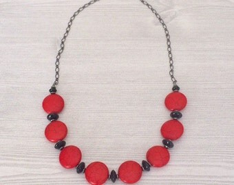 Red Black Statement Necklace Beaded Red Black Necklace Bold Red Statement Necklace Red Beaded Bib Necklace Large Flat Bead Necklace Trending