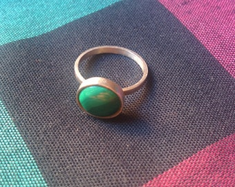 Silver ring made with malachite