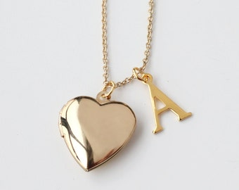 locket necklace, gold heart Locket Necklace, mother of the bride gift for mom, Valentine's Day gift, Mother's Day gift, Bridesmaid Gift