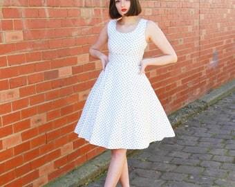 Vintage 1950s Polka Dot Sundress / Fit & Flare / Cotton Pique / White Sundress / Full Skirt / XXS/XS