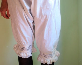 Antique bloomers/1900s underwear/ white cotton embroidered/lace decorated/ antique lingerie/very good condition/Fine Lady's underwear