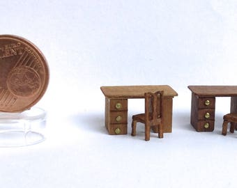 Traditional desk and chair in walnut-scale 1/144
