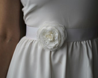 White Wedding Sash Bridal Belt Floral Wedding Sash Flower Wedding Sash White Wedding Dress Sash Bridal Accessories