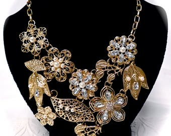 Gold Rhinestone Bib Necklace Vintage Necklaces Accessories VA-225