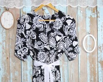 Women's Vintage Dress.Black And White Floral Print Vintage Dress For Women 1970s.Vintage.women Clothing. Vintage Dress. Sale.Size OS
