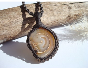 Fossil Snail Necklace/Fossil/Gaia/Fossil Jewelry/Fossil Pendant/Macrame Necklace/Earthy Necklace/Fossil Druzy/Stone Pendant/Linen