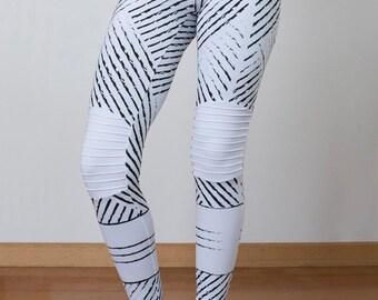 printed legging~geometric~yoga pants~screen print legging~black leggings~active wear~work out pants~fashion leggings~white leggings