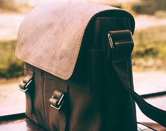 Leather Brown Messenger bag. Mens messenger natural leather bag. Mens laptop / mens weekend bag