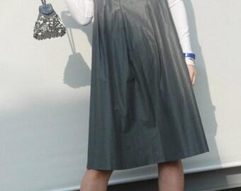 Minimalist dress / subtle metallic / oversized