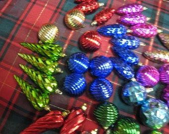 Vintage 34 Piece Plastic Ornaments Great for the little one's from Breaking. Pine cones, swirls, balls and long swirl's.