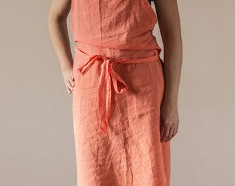 "Pure linen apron. Garment dyed. First class european linen. Pantone shade ""Coral"" . Casual look. Froissé fabric"