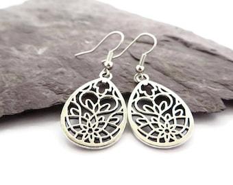 Silver filigree earrings, Moroccan jewellery, dainty silver drop earrings, boho jewelry, gift for her, bridesmaid earrings, festival jewelry