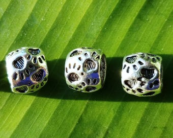 Paracord Paw Print Beads