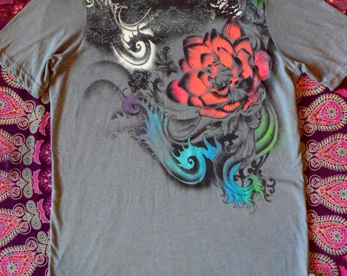 Grey Ocean Waves Flowing Flower Tee