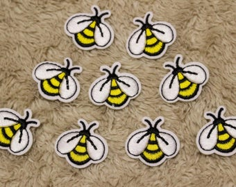 """Bee Patch,Bee Iron On Patch,Applique Embroidered Iron On Patch,Iron On Patch,Sew On Patch,Size 1.3"""" x 1"""" (3 x 2.6 cm)"""