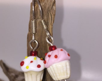 Earrings in cupcake form
