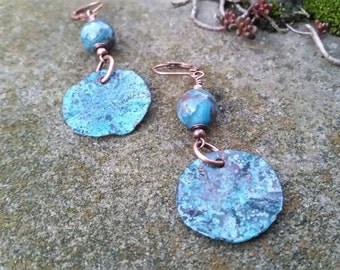 Blue Ruffled Disc Earrings with Jasper Bead//Gifts for Her//Disc Earrings//Blue Dangle Earrings//Rustic Blue Earrings//Ruffled Disc Earrings