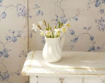 TO ORDER - Daffodils, scale 1/12, dollhouse decor, dollhouse flowers, dollhouse miniatures