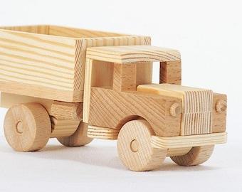 OttO wooden truck