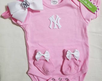 new york yankees baby outfit-yankees newborn-ny yankees newborn-ny yankees girl take home outfit-baby girl yankees/yankees baby shower gift